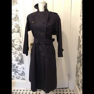 Burberry's London Navy trench coat size 6 Petite.